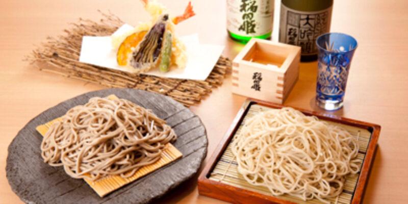 ●蕎麦(左:いなたや田舎蕎麦、右:稲田屋そば)