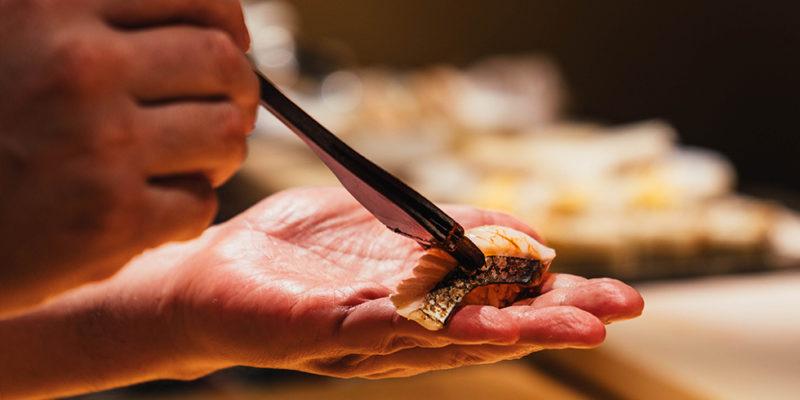 江戸前のシャリ酢は3種類の赤酢を使用。2